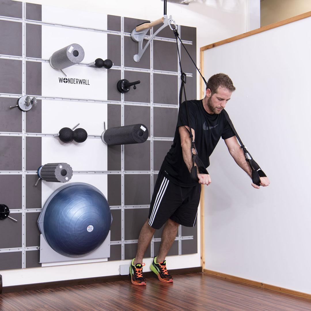 Betriebliche-Gesundheitsfoerderung-wonderwall-fitness-training-wandloesung-funktional-1
